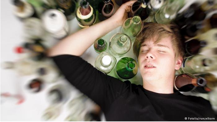 باحثون ألمان: حتى الكميات الصغيرة من الكحول ضارة