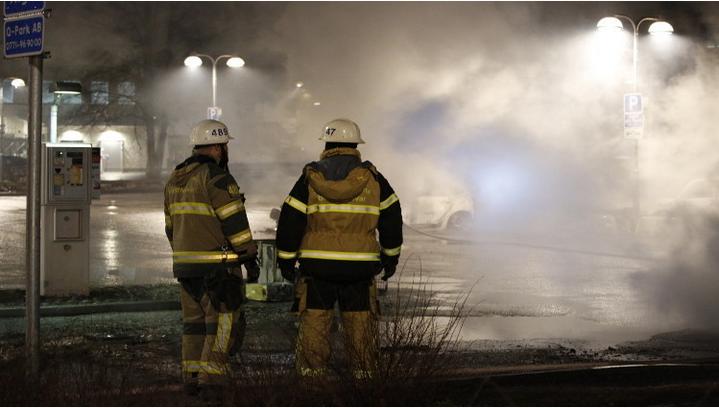 حريق في أكبر مركز للاجئين في السويد يخلف نحو 20 مصابا