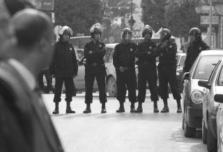 تونس: رؤساء مراكز أمن يقتحمون البيوت ولا يستثنون أحدا