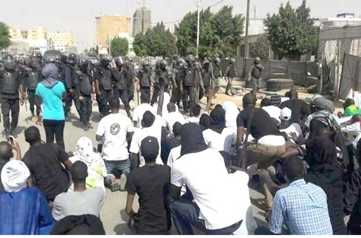 موريتانيا: الخريجون العاطلون ينتفضون وينتقدون قمع الشرطة لهم